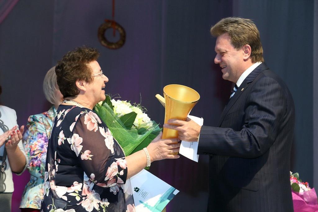 Шесть томичек получили звание «Женщина года-2014»